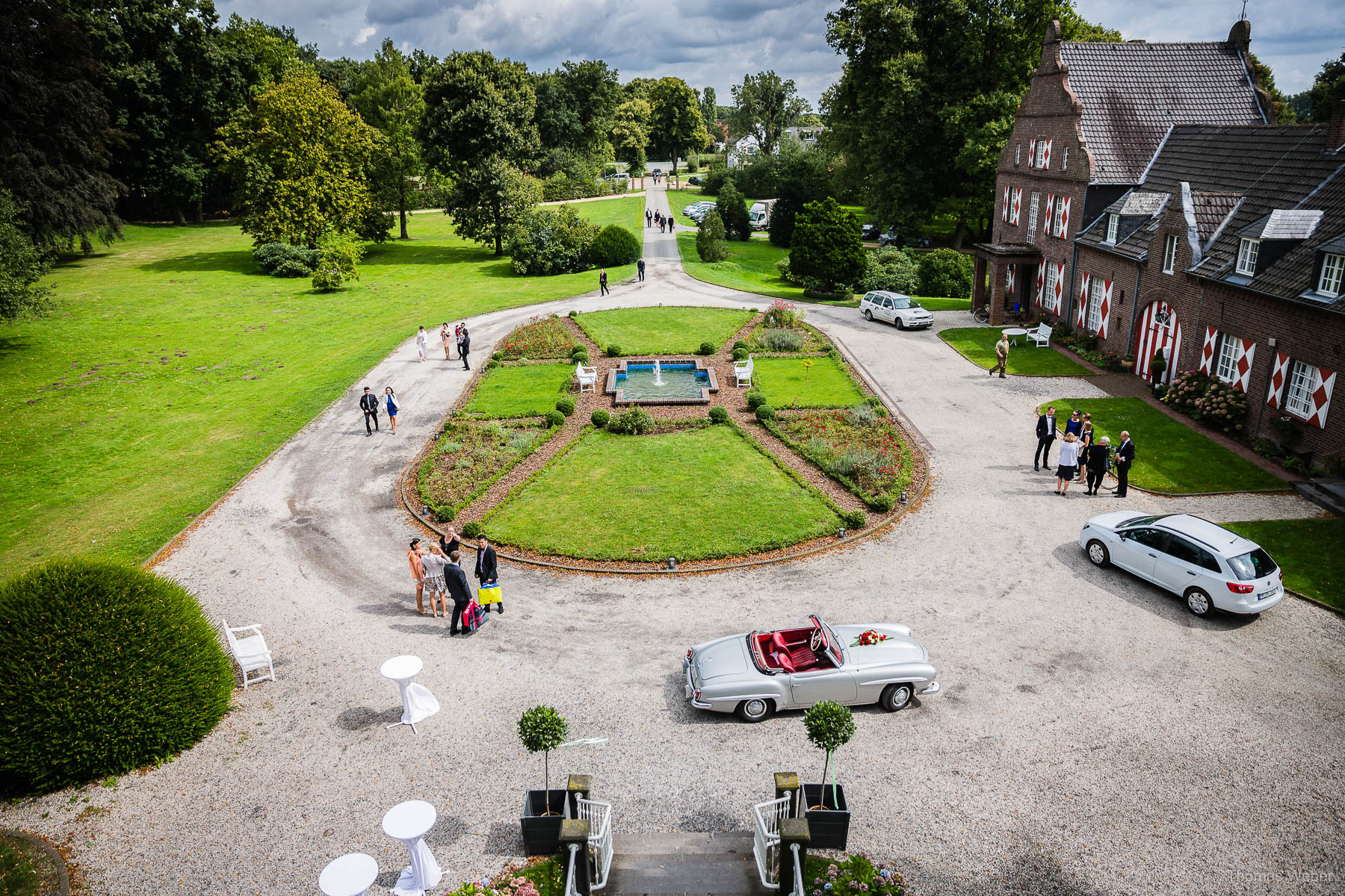 Hochzeitsreportage einer Schlosshochzeit auf der Schlossruine Hertefeld in Weeze, Hochzeitsfotograf Ostfriesland