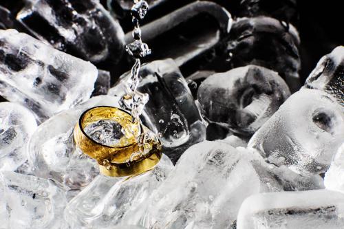 hochzeitsfotograf-hochzeitsfotos-ostfriesland-details-hochzeitsringe-eheringe-0002